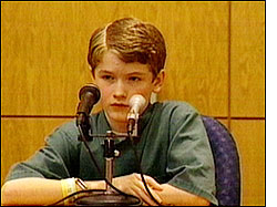 child-testifying