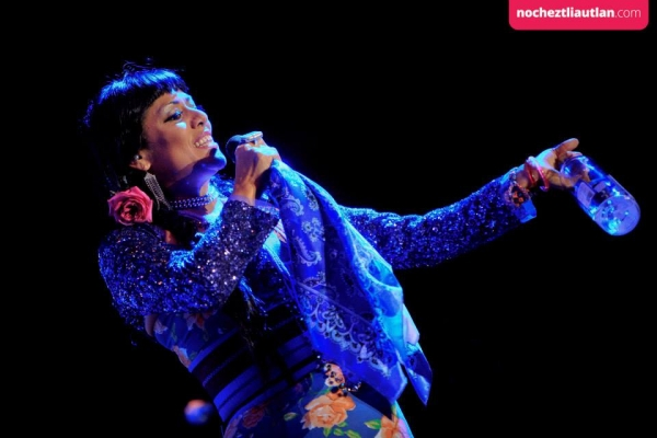 Lila Downs fue la encargada de cerrar la edición 2013 del festival cultural autlense. Foto: Nocheztli.