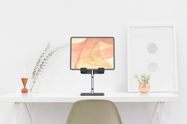 H620-bg-iPad-Desk-Stand-work-from-home_1376x896