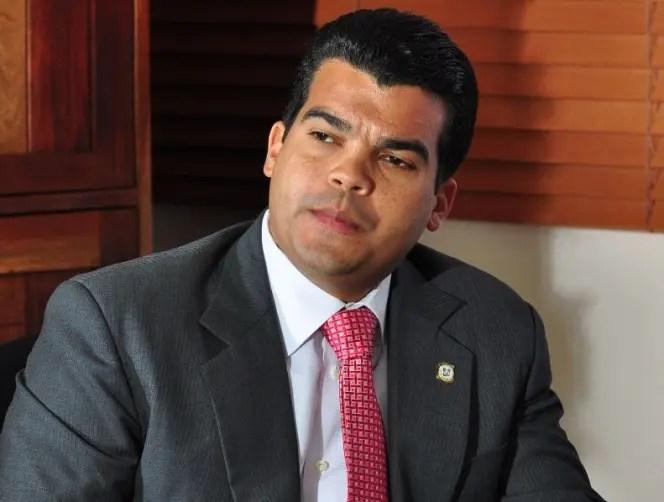 "Wellington Arnaud llama a Leonel Fernández gran ""impostor constitucional"""
