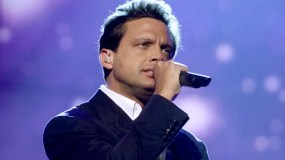 Luis Miguel at rehearsals for the 2nd Annual Latin Grammys at the Forum in Los Angeles, CA., Monday,  Sept. 10, 2001.  (photo by Kevin Winter/Getty Images)