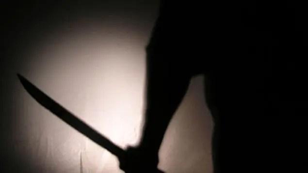 """Delincuentes usaron un machete y una """"chilena"""" en robo sucursal Banreservas"""