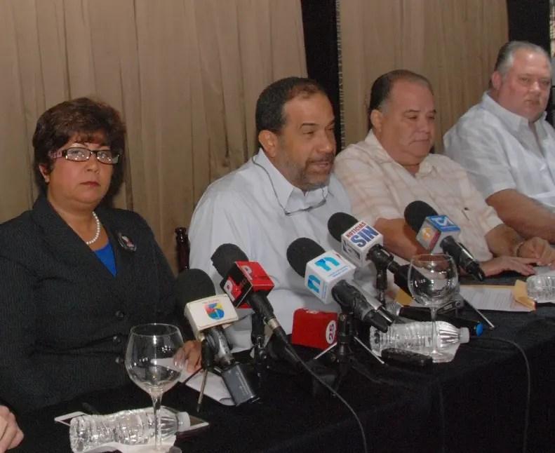 Propietarios de terrenos de Valle Nuevo pidieron al presidente Danilo Medina que intervenga en la búsqueda de medidas que garanticen la preservación de esa área protegida y que, a la vez, reconozcan las prerrogativas que el estado de derecho y la Constitución de la República les confieren a todos los involucrados.