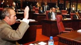 El país.  Sesión del senado.  Hoy. Manelik Balcacer. 03-08-10