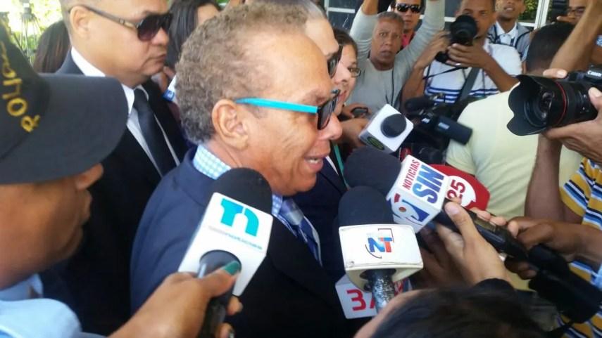 Ángel Rondón a su llegada a la Procuraduría el pasado miércoles. Foto:  @Telenoticiasrd.