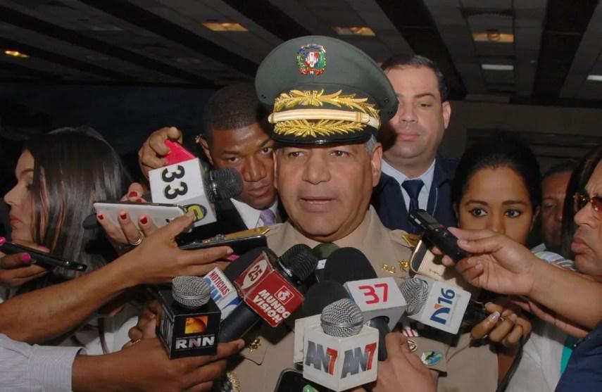 El mayor general Rubén Dario Paulino Sem, ministro de Defensa. Foto de archivo.
