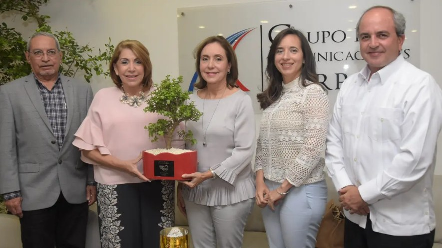 Nelson Marrero, Maribel Lazala, Julia Bucher, Alejandra Bonnelly y Joaquín Zaglul.