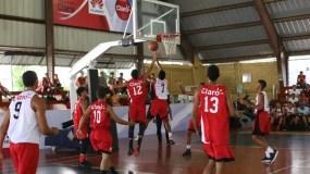 Una acción del partido entre los colegios Duarte y Efraín.