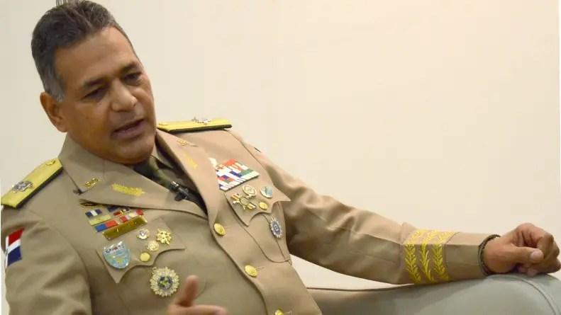 Resultado de imagen para teniente general ruben paulino sem, anuncia aumento sueldo a militares