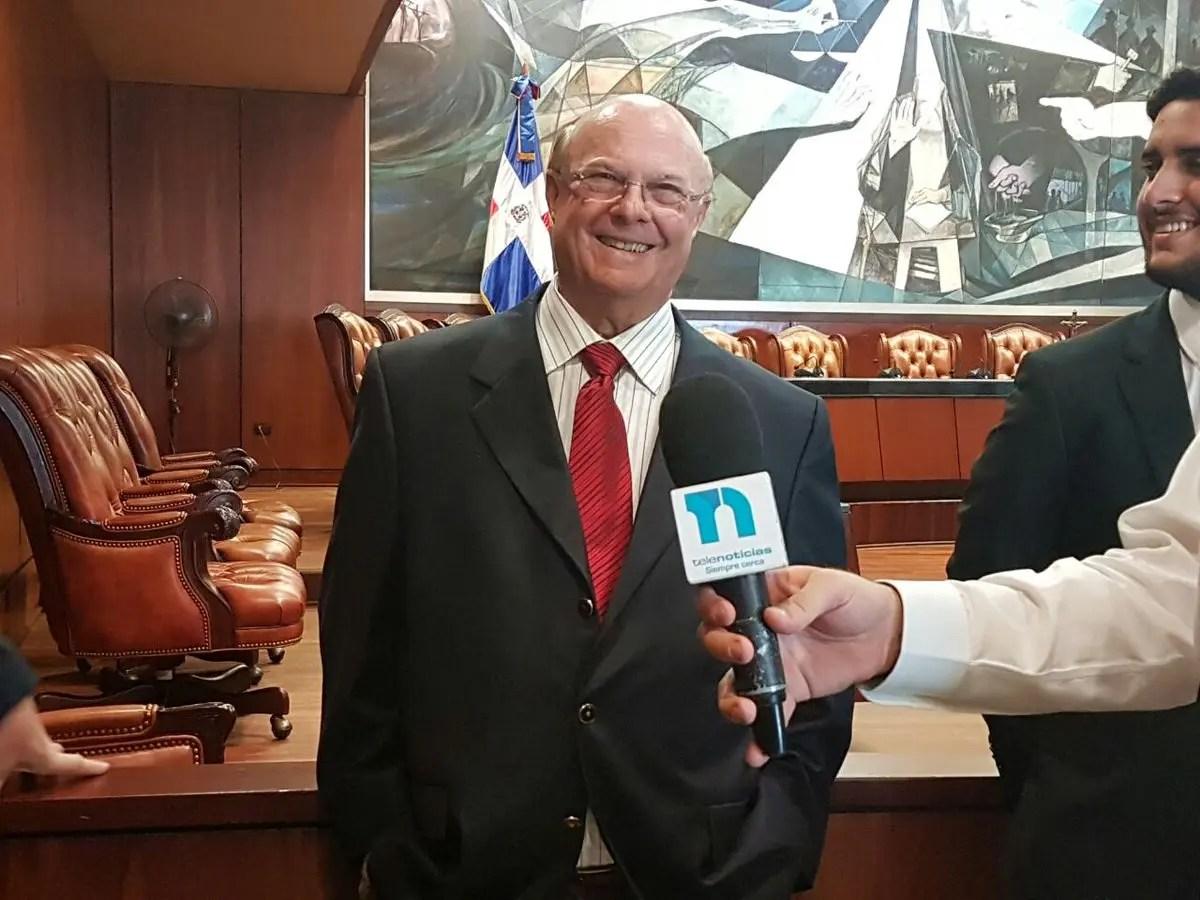 Pleno SCJ conoce demanda interpuesta por Hipólito Mejía contra Wilton Guerrero