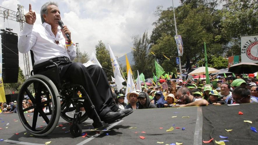 En esta foto de archivo del 22 de abril de 2017 el presidente electo Lenín Moreno se dirige a los partidarios durante su celebración de la victoria electoral, días después de un recuento en Quito, Ecuador.