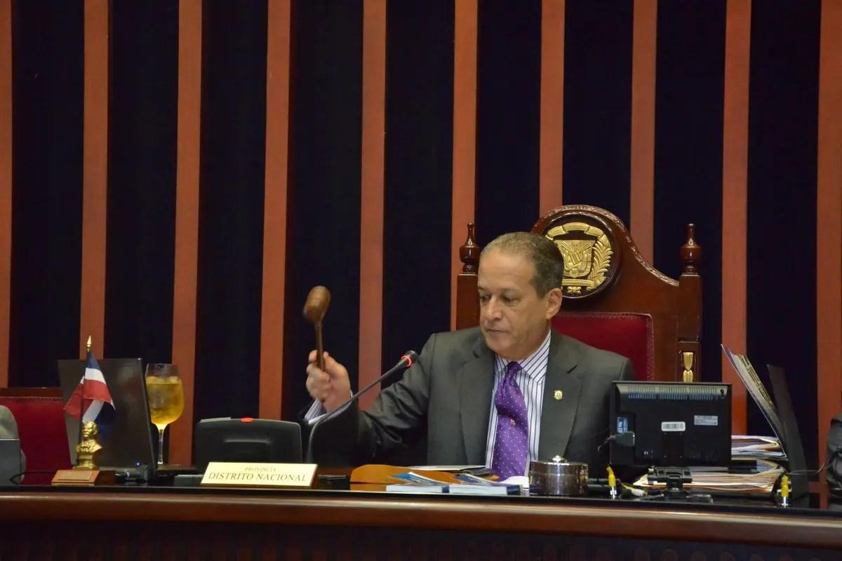 Senado dominicano mantiene penalización absoluta del aborto