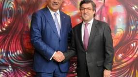 El Canciller Miguel Vargas, y el presidente del Banco Interamericano de Desarrollo, Luis Alberto Moreno.