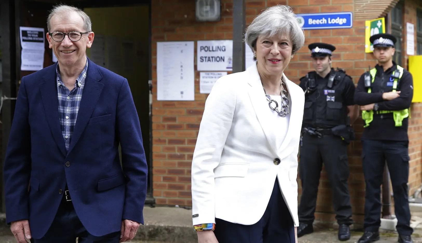 Triunfaron los conversadores en Reino Unido pero sin lograr mayoría absoluta