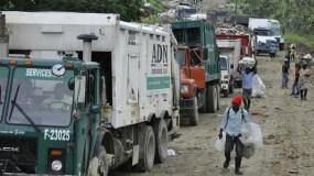 En varias ocasiones medidas de Lajun provocaron enormes tapones en el depósito de la basura.