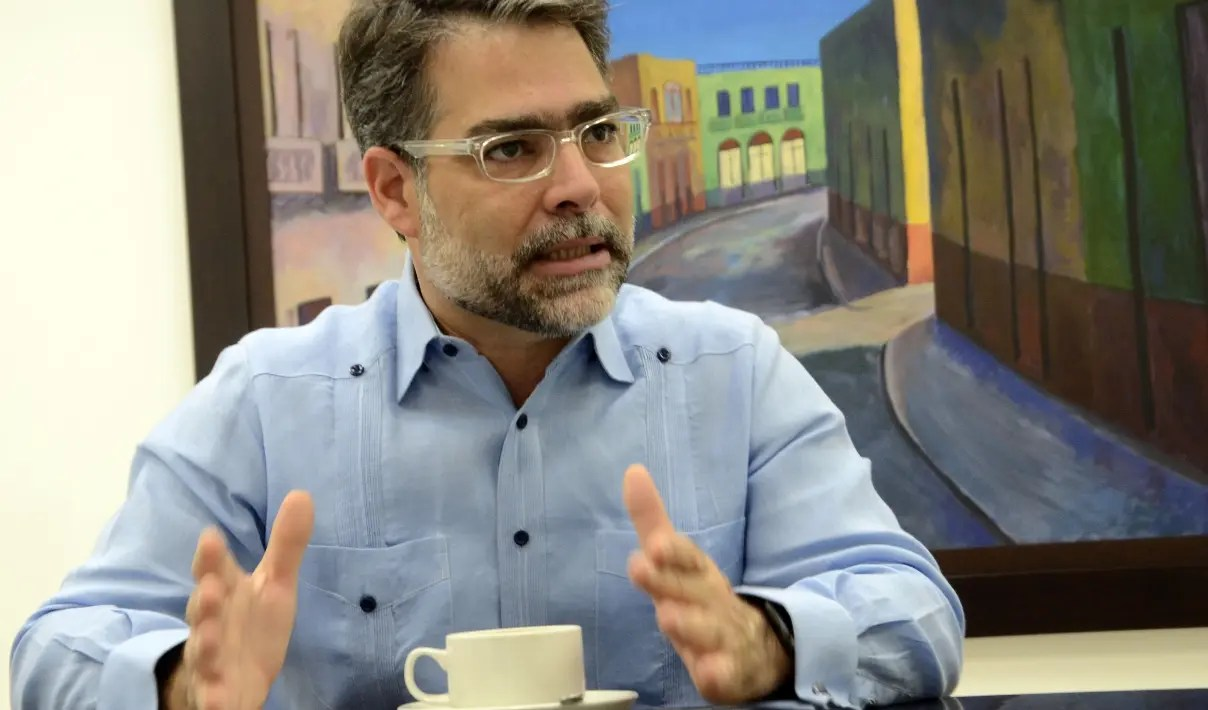 Ernesto Selman renuncia como miembro del PLD