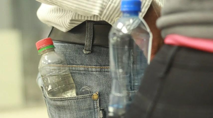 Este tipo de bebida sin registro sanitario se adquiere en un callejón y hasta en un colmado.