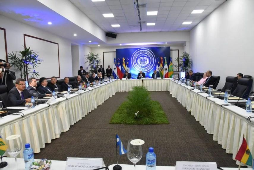 Las negociaciones entre el gobierno y la oposición venezolana se realizan en la República Dominicana.