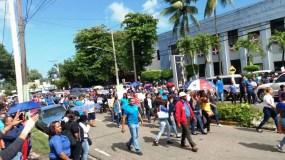 maestros-de-puerto-plata-paralizan-docencia-y-marchan-en-contra-de-medidas-tomadas-por-ministro-de-educacion