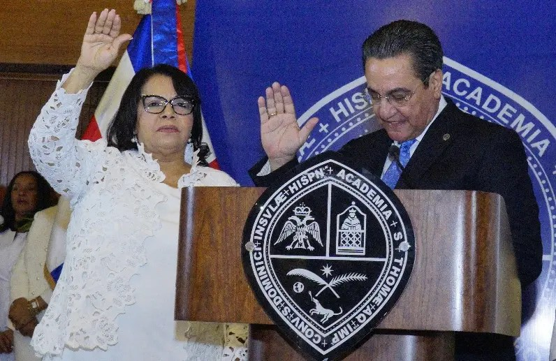 Emma Polanco cuando toma juramento.  elieser tapia