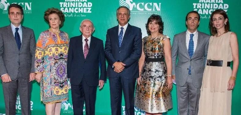 Alejandro González Cuadra, María Isabel Cuadra, José Manuel González Corripio, José Ramón Peralta, Patria de Peralta, José Manuel González Cuadra e Isabel González Cuadra.