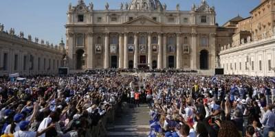 En la ceremonia de canonización de Arnulfo Romero participaron  5 mil  salvadoreños.