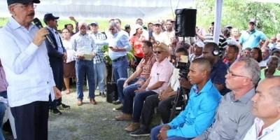 Medina hizo visita a los agricultores ayer. fuente externa