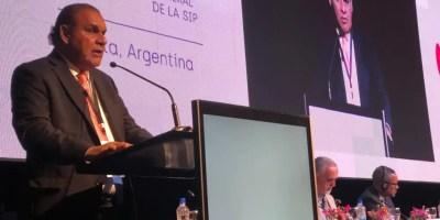 Miguel Franjul mientras presentaba el informe en la SIP.