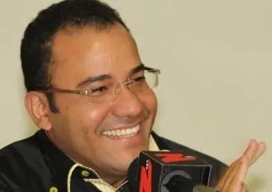 Salvador Holguín ofrece cursos técnicos en Dajabón