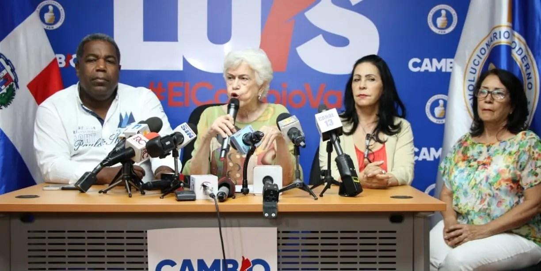 """Ortiz Bosch: """"Lo que ha hecho Pompeo es ponerse de acuerdo con la voluntad del pueblo dominicano"""""""
