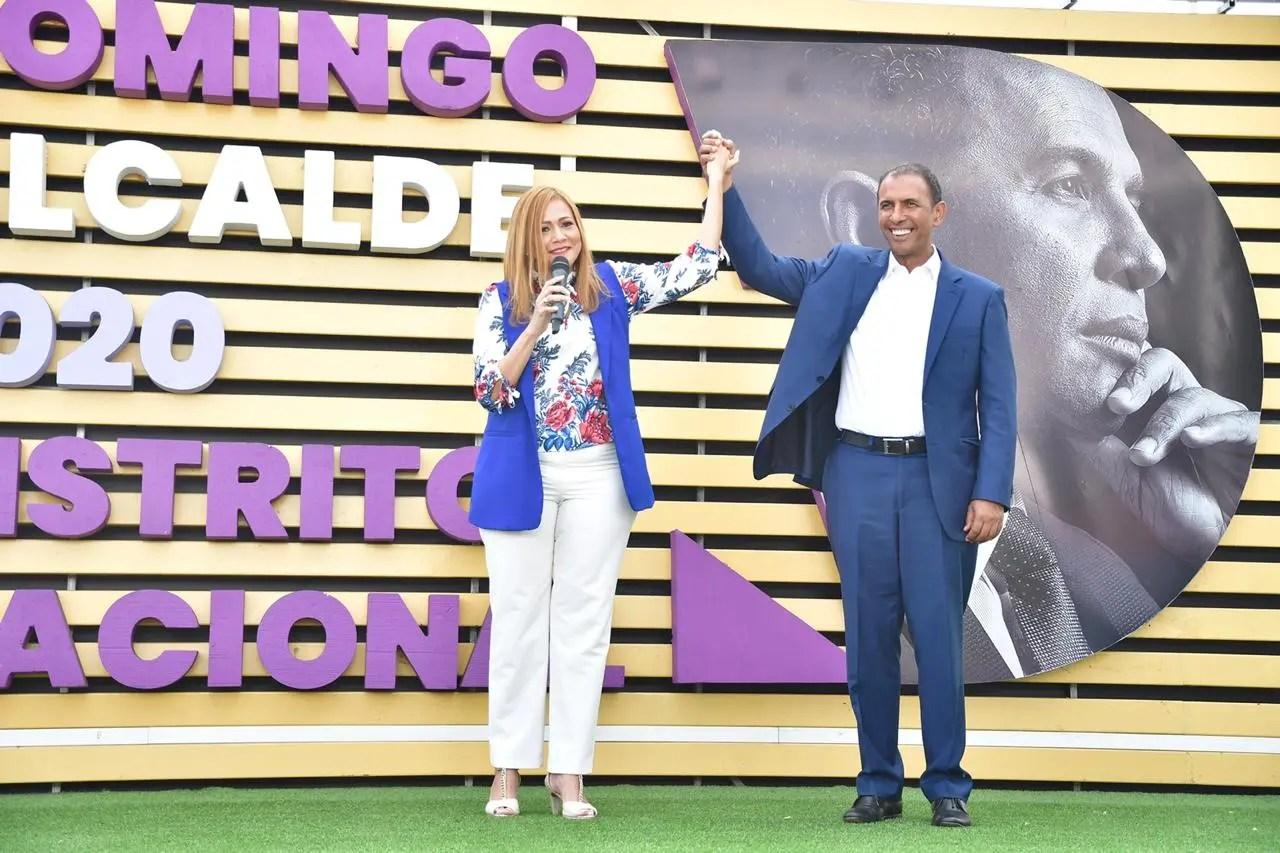 Domingo Contreras presenta a Francis Jorge como compañera de boleta