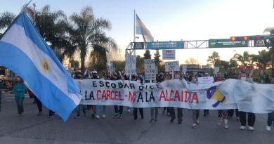 Continúan las protestas contra la instalación de la alcaldía
