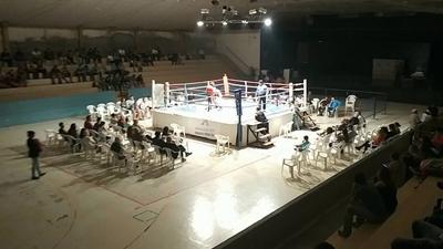 Viernes de box amateur en la Escuela Nº 213