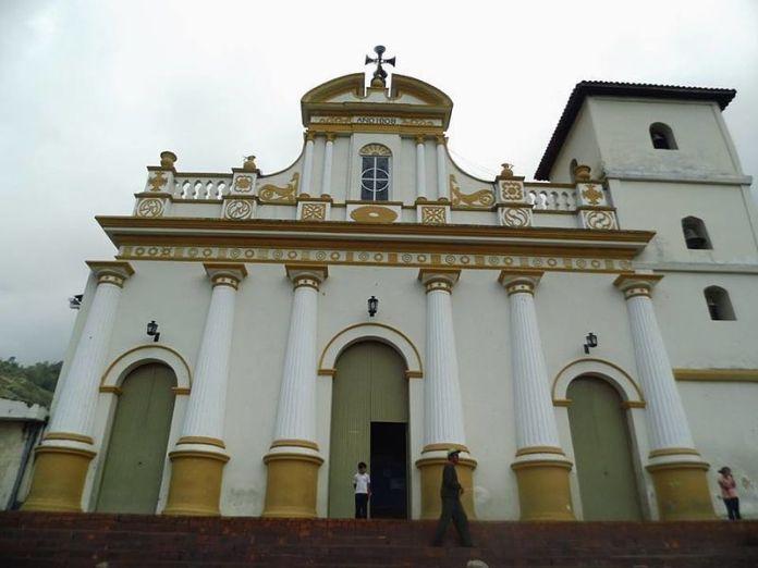 Iglesia de San Pedro en Jajó