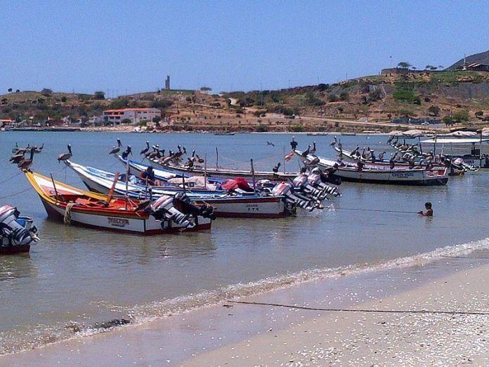 Botes de pescadores en Juan Griego