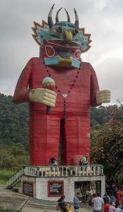 Monumento al Diablo Danzante de Yare en Mérida