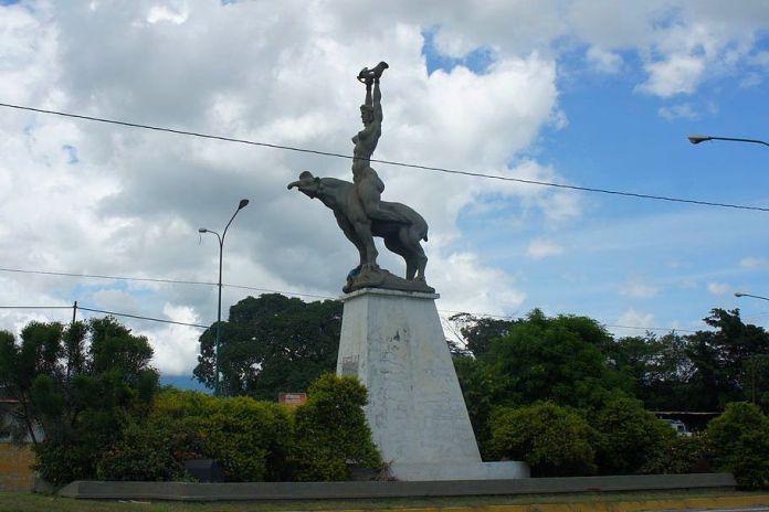 Estatua de María Lionza en Chivacoa, Yaracuy