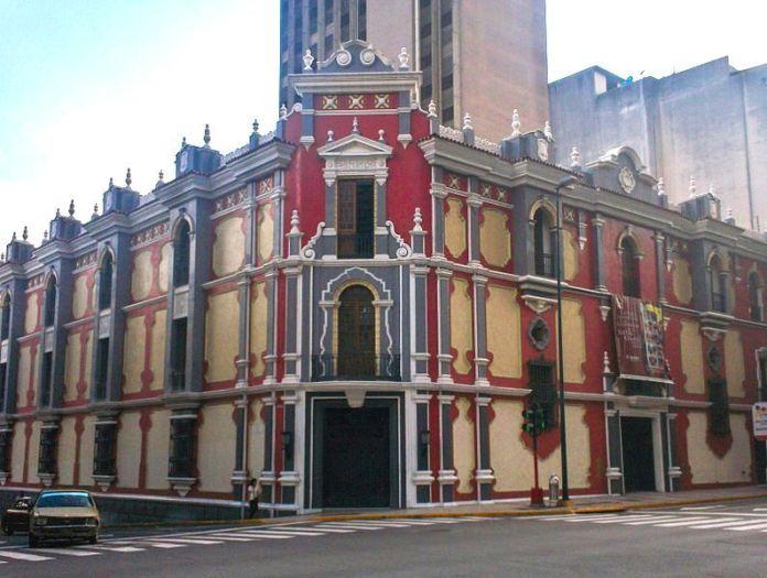 Edificio del Correo en la Esquina de Carmelitas