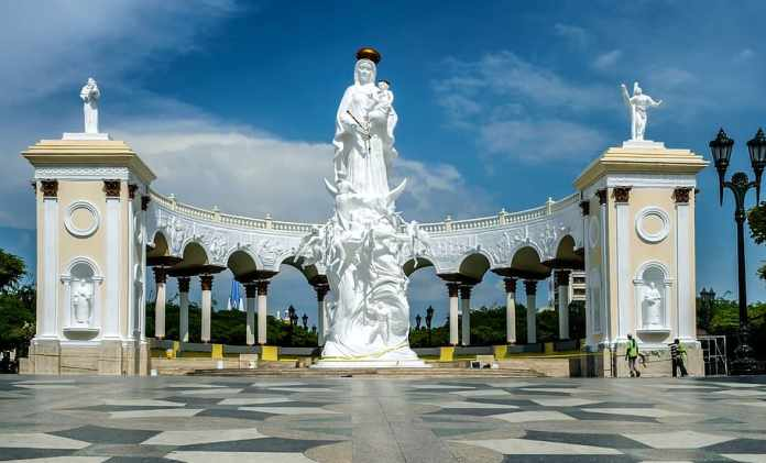 Plaza Monumento a la Chinita