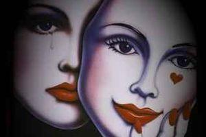 Las máscaras de la sociedad: el desafío de recuperar los vínculos reales y significativos entre las personas.
