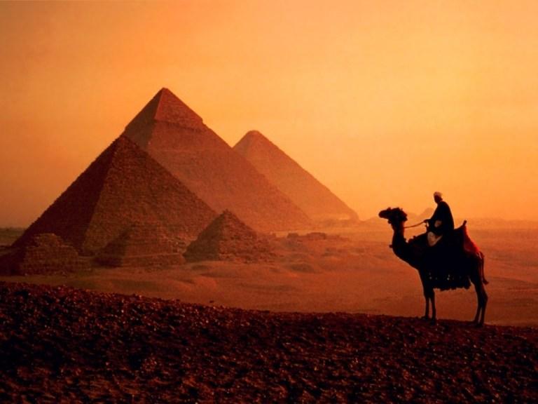 El Cairo, la fascinante y decadente capital de Egipto.