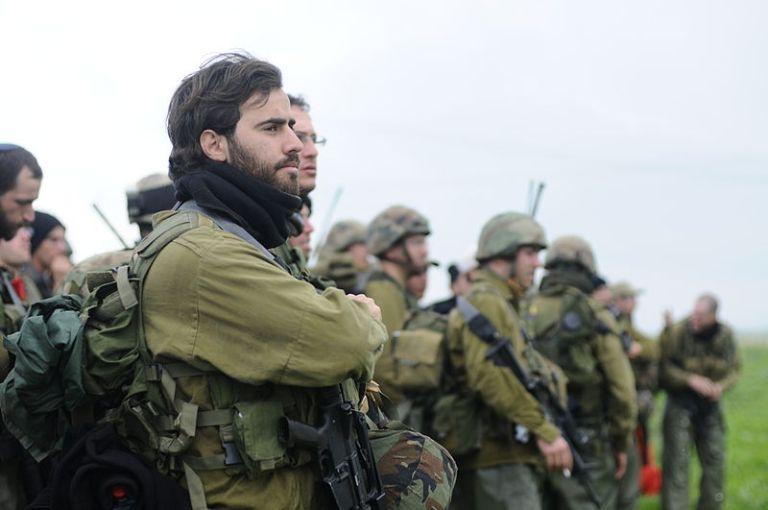 Israel, contra la espada y la pared