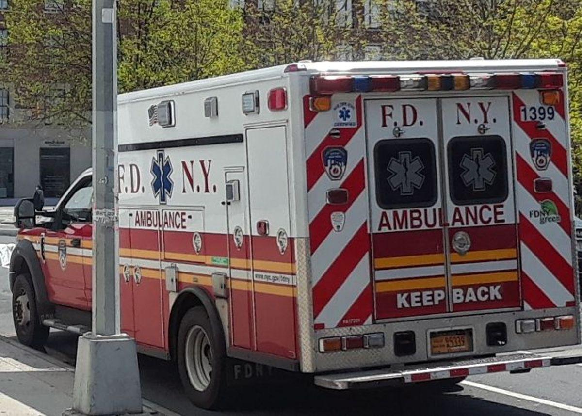 Paramédico hispano robó $33 mil dólares en hogar de paciente moribundo en Nueva York