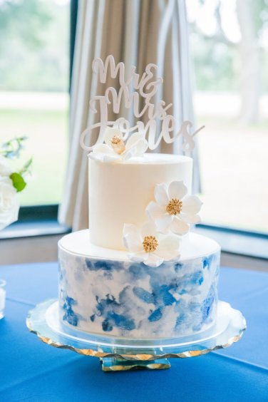 Pantones 2020 Color of the Year Classic Blue Wedding Inspiration via TheELD.com