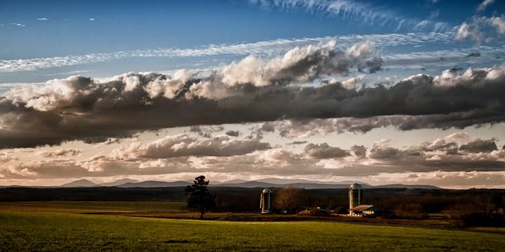 Evening Light On The Farm - Farm - Photo