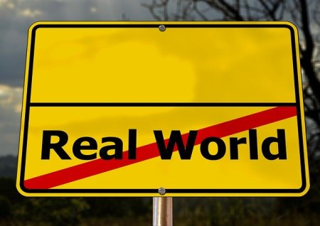 L'agent immobilier doit faire prendre conscience aux deux parties la distorsion entre leurs rêves de richesse et la réalité immobilière sur le terrain...