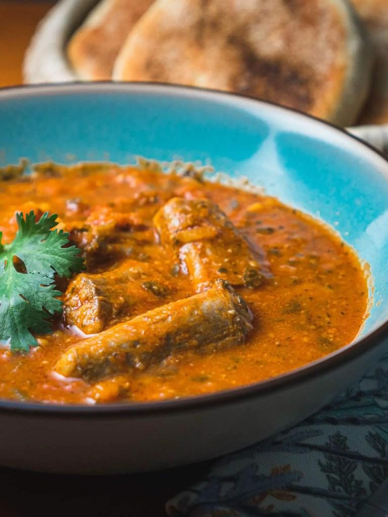 assiette de saumonette à la sauce pil-pil comment cuisiner roussette