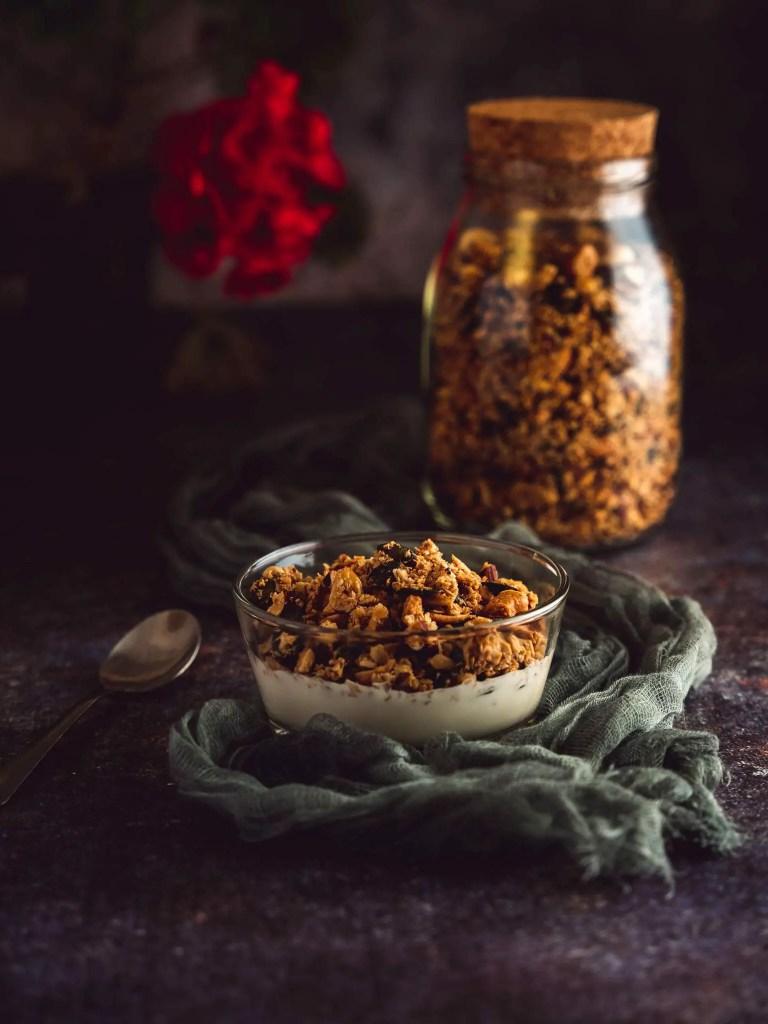 Granola maison aux céréales et aux graines