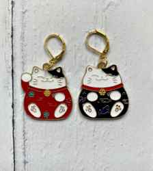 Japanese Lucky cat stitch marker for knitters and crocheters
