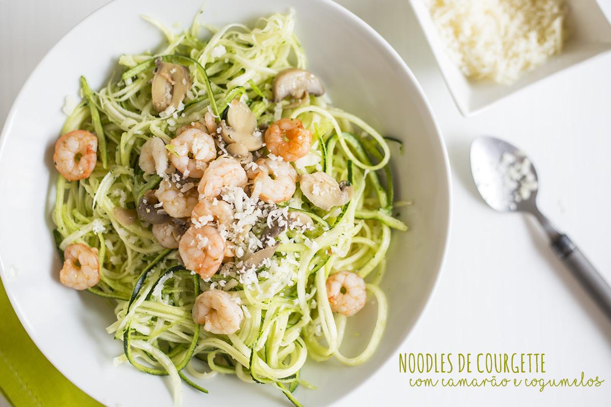Receita de Noodles de Courgette com Camarão e Cogumelos